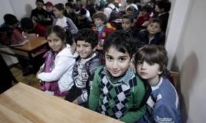 Θερμή υποδοχή για τα προσφυγόπουλα στα Πετράλωνα
