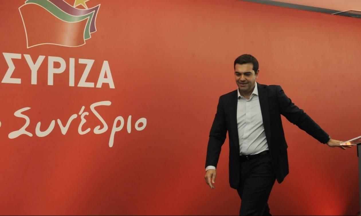Συνέδριο ΣΥΡΙΖΑ: Ο Αλέξης Τσίπρας θα φορέσει το «στενό» κοστούμι του Κέντρου