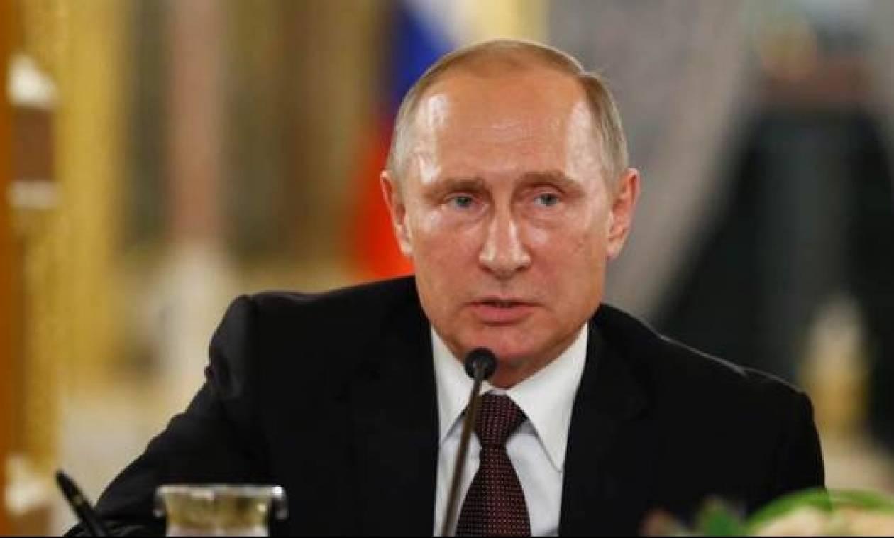 «Κεραυνοί» Πούτιν: Οι ΗΠΑ δεν συνομιλούν αλλά υπαγορεύουν – Η Γαλλία στάζει... δηλητήριο