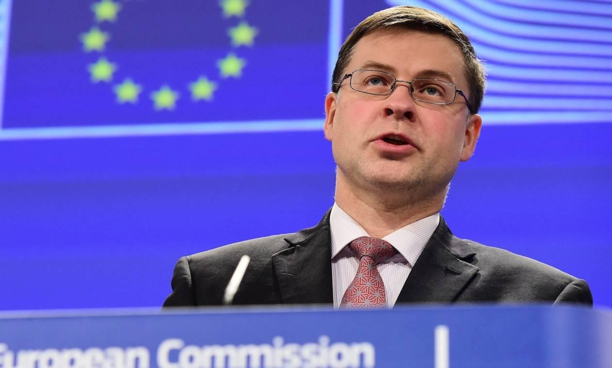 Ντομπρόβσκις: «Καμία χαλάρωση στο ελληνικό πρόγραμμα»