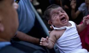 Πρόσφυγες προσπάθησαν να πουλήσουν το μωρό τους μέσω eBay!