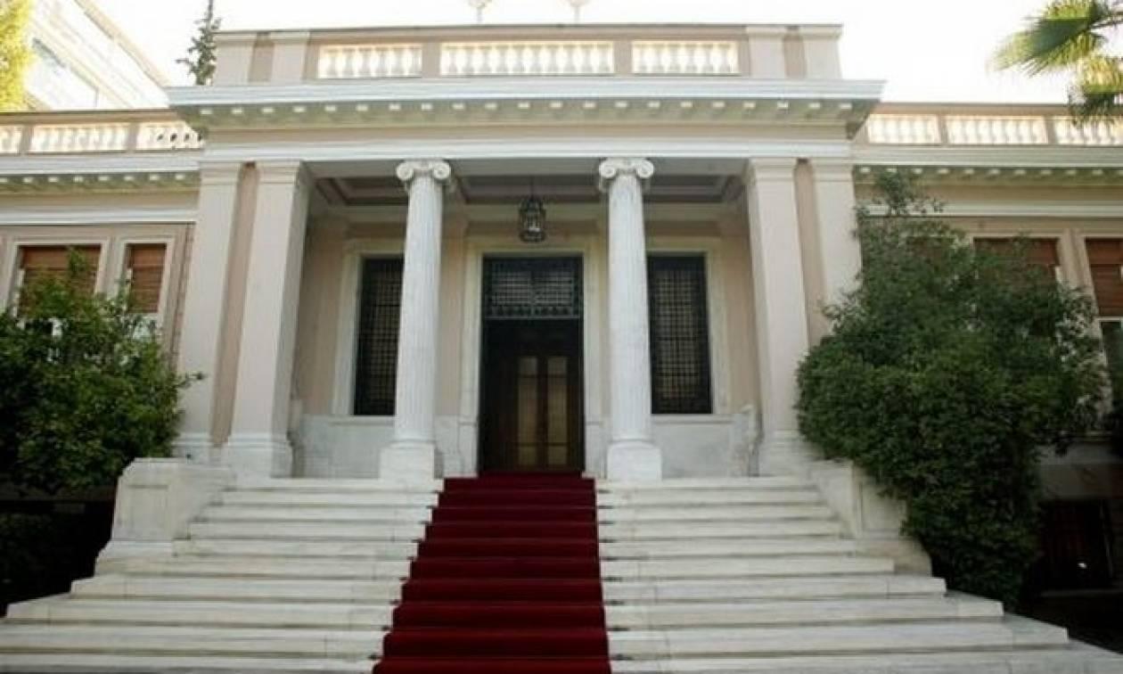 Κυβερνητικοί κύκλοι: Ο Μητσοτάκης μιλάει για λαϊκισμό και προσπερνά τον Αδωνι