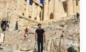O Burak Özçivit, πρωταγωνιστής του Kara Sevda στην Αθήνα