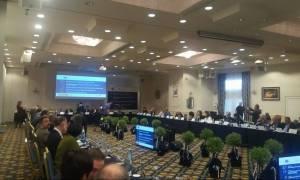Χαμός στη Θεσσαλονίκη: Επεισόδιο μεταξύ φοιτητών και του πρύτανη του Πανεπιστημίου Μακεδονίας (vids)