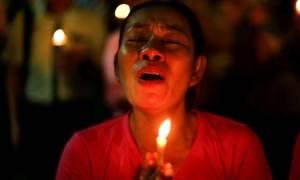 Ανείπωτος θρήνος στην Ταϊλάνδη για το θάνατο του βασιλιά (videos+photos)