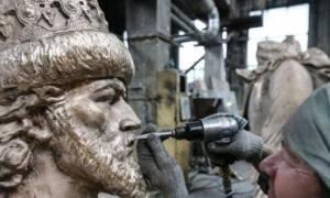 Ρωσία: Tα αποκαλυπτήρια του πρώτου αγάλματος του Ιβάν του Τρομερού