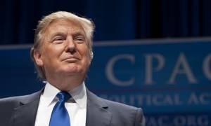 Καταγγελίες Τραμπ για «σπρώξιμο» της Χίλαρι από τους New York Times