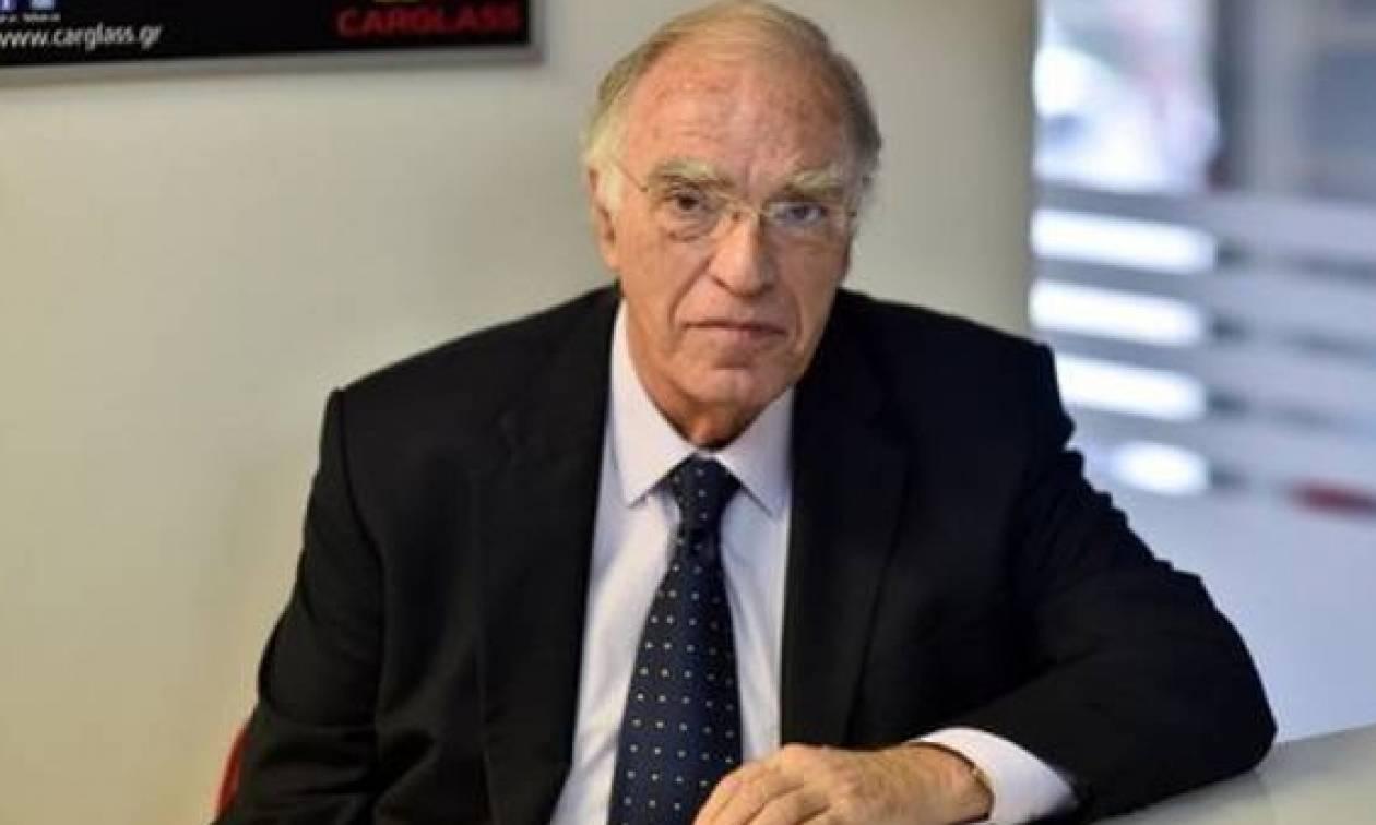 Β.Λεβέντης: Ο Βαρουφάκης ανάγκασε την Ελλάδα να ξεβρακωθεί
