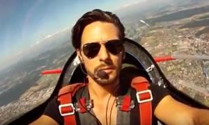 Ανατριχίλα: Ο αδικοχαμένος πιλότος του Τσέσνα μέσα στο πιλοτήριο (vid)