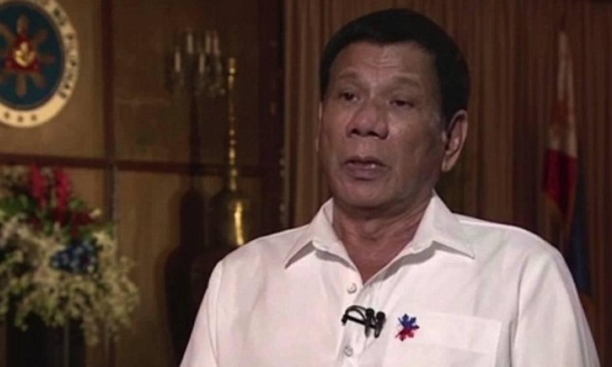 Συγκλονίζει ο πρόεδρος των Φιλιππίνων: Όταν ήμουν μικρός με βίασε ιερέας (video)