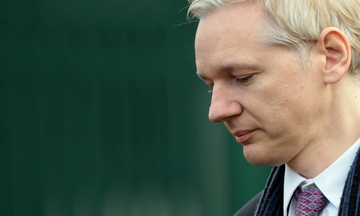 http://cdn1.bbend.net/media/com_news/story/2016/10/18/737535/main/Assange.jpg