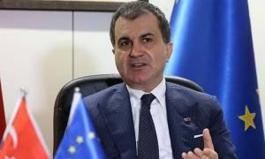 Η Τουρκία απειλεί την Ευρώπη: Καταργείστε τη βίζα αλλιώς ακυρώνουμε τη συμφωνία για προσφυγικό