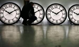 Χειμερινή ώρα – Πότε και γιατί γυρίζουμε τα ρολόγια μία ώρα πίσω