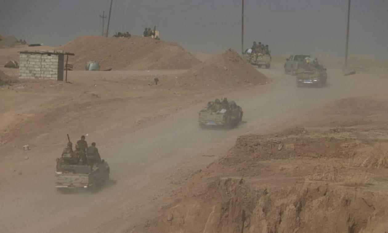 Η μεγάλη έξοδος της Μοσούλης: Άφαντοι οι ηγέτες του ISIS - Χιλιάδες Ιρακινοί περνούν στη Συρία (vid)
