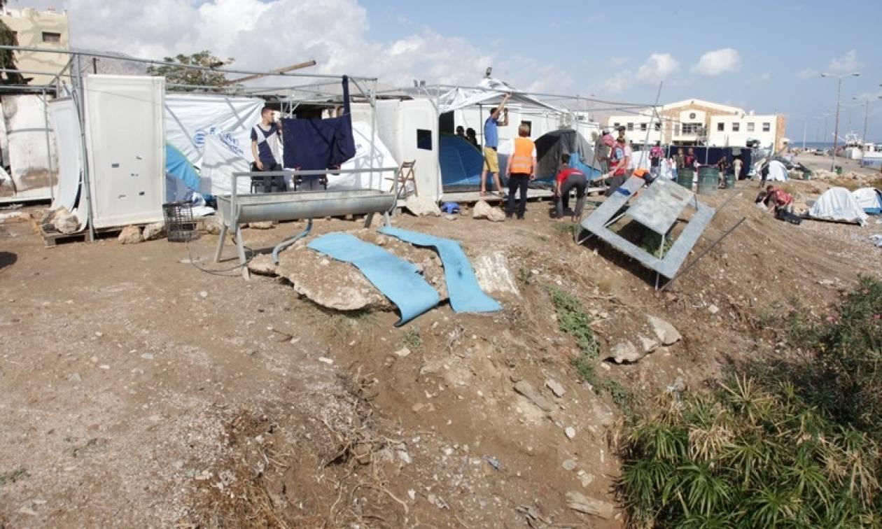 Χίος: Νέα ένταση στο hot spot της ΒΙΑΛ - Πρόσφυγες μπλόκαραν τις εισόδους