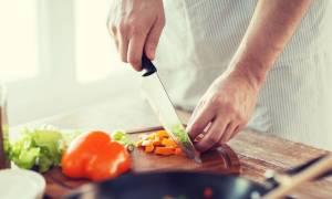 Ασφάλεια τροφίμων: Συχνά λάθη που κάνουμε στο σπίτι