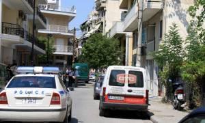 Τραγωδία στη Λάρισα: Γυναίκα έκανε βουτιά θανάτου από τον 7ο όροφο όταν μπήκαν σπίτι της αστυνομικοί