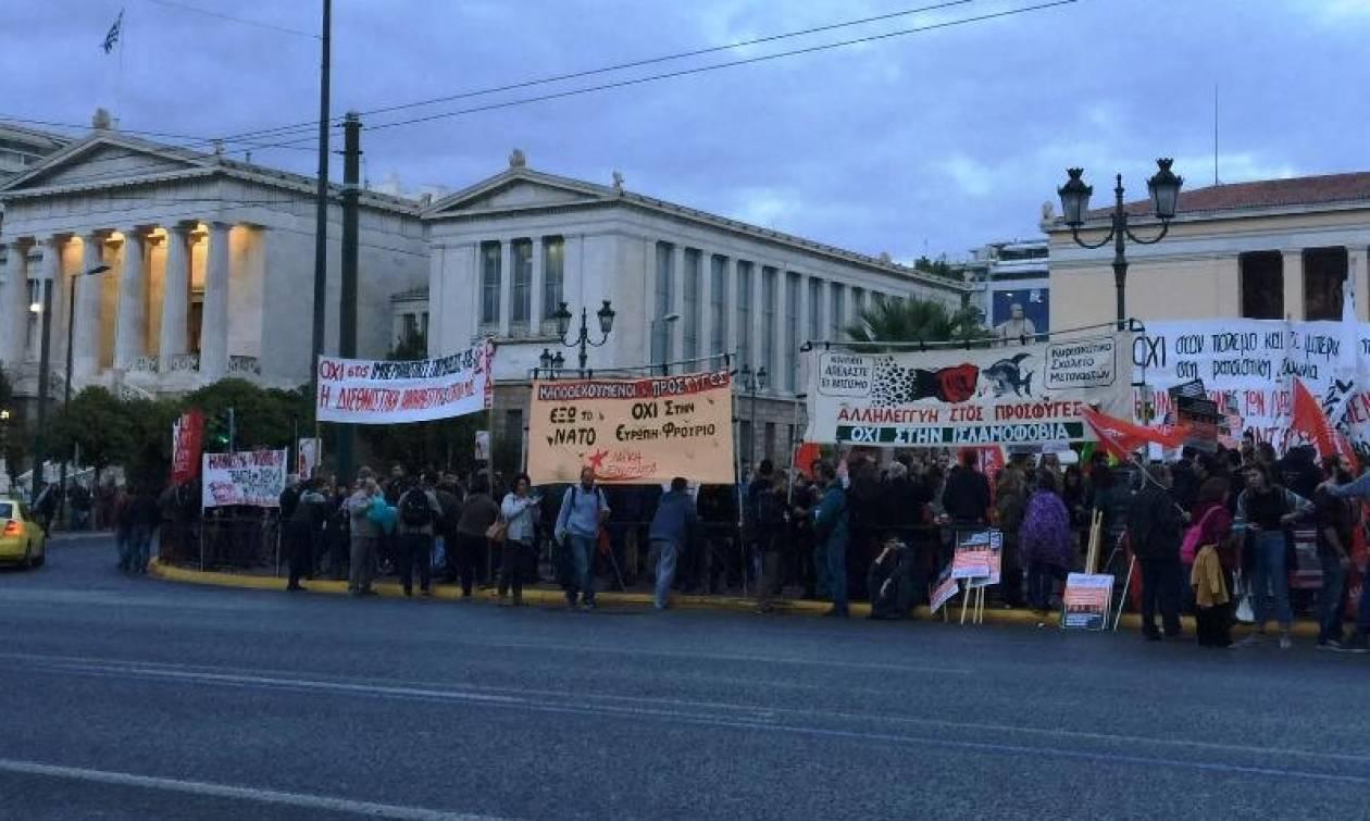 Αντιπολεμική συγκέντρωση στα Προπύλαια και πορεία στη Βουλή (pics)