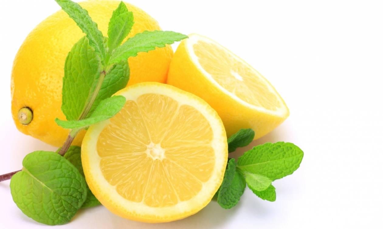 Γιατί πρέπει να βάζετε τα λεμόνια στην κατάψυξη