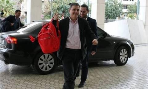 Greek gov't, institutions begin talks on second review of Greek program