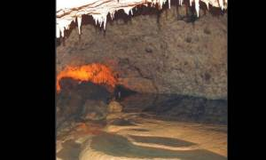 Το σπήλαιο της Ανεμότρυπας έχει καταρράκτη και ποτάμι στο εσωτερικό του