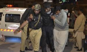 Μακελειό στο Πακιστάν: 59 νεκροί και δεκάδες τραυματίες από ένοπλη επίθεση σε αστυνομική σχολή