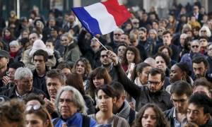 Γαλλία: Η ανεργία σημείωσε τη μεγαλύτερη μείωση σε μηνιαία βάση εδώ και 20 χρόνια