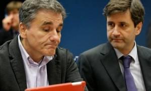 Ζητείται διέξοδος: Νέα δημοσιονομικά μέτρα για το 2017 ή «κόφτης»