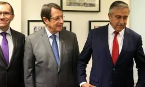 Κυπριακό: Νέα συνάντηση των ηγετών το απόγευμα