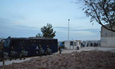 Χίος: Νέα ένταση με μετανάστες στη ΒΙΑΛ (pics+vid)