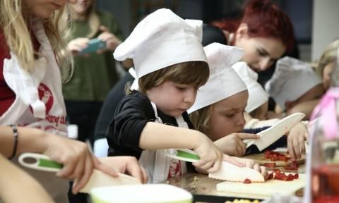 H Nestlé Ελλάς: Γιορτάζει τη Διεθνή Ημέρα των Σεφ δημιουργώντας με τα παιδιά την «Τέχνη στο Πιάτο»!