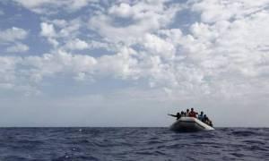 Τουλάχιστον 100 πρόσφυγες αγνοούνται από χθες στη Μεσόγειο