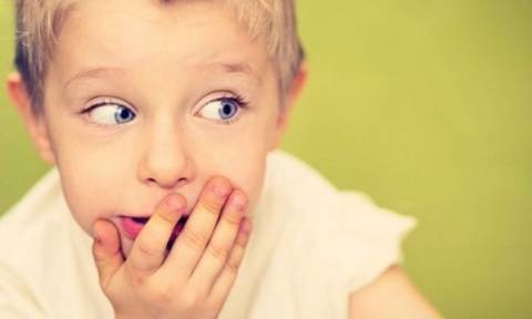 Όταν το παιδί βρίζει πώς πρέπει να αντιδρούν οι γονείς;