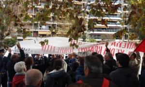 28η Οκτωβρίου: Επεισόδια στη Θεσσαλονίκη κατά τη διάρκεια της παρέλασης (pics)