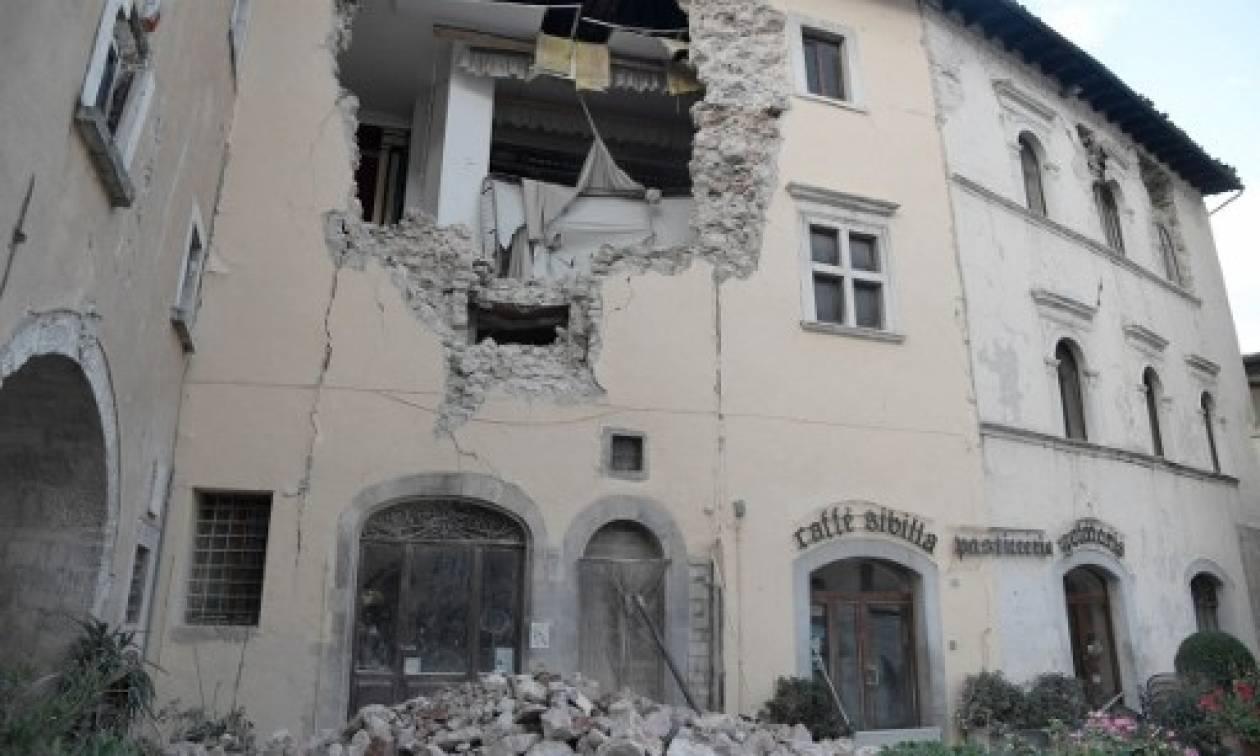 Νύχτα τρόμου στην Ιταλία - Δεκάδες μετασεισμοί