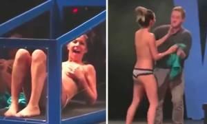 Θα πάθετε πλάκα: Μάγος την άφησε ολόγυμνη χωρίς καν να την ακουμπήσει! (video)