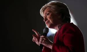 Πανικός στο επιτελείο της Κλίντον: To FBI ανοίγει εκ νέου την υπόθεση με τα απόρρητα emails