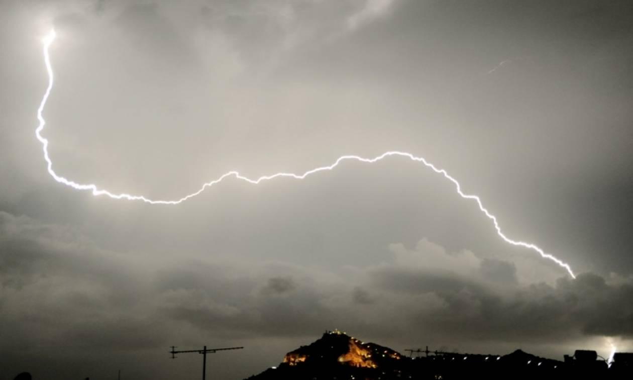 Καιρός: Σαββατοκύριακο με καταιγίδες - Δείτε που θα «χτυπήσουν»