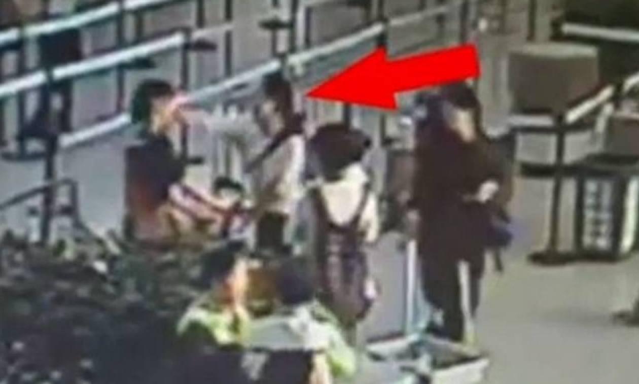 Πανικός στο αεροδρόμιο-Της είπαν ότι η αποσκευή της ήταν πολύ μεγάλη και έγινε το έλα να δεις (vid)