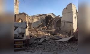 Ισχυρός σεισμός 6,5 Ρίχτερ συγκλόνισε την Ιταλία (Pics+Vids)