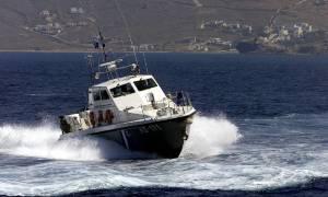 Συναγερμός στα Χανιά - Σήμα κινδύνου από σκάφος με δεκάδες μετανάστες