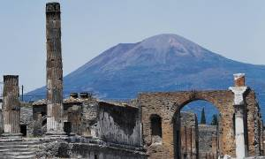 Σοκ! Ο σεισμός ξύπνησε το ηφαίστειο της Ρώμης – Τρόμος στην Ιταλία
