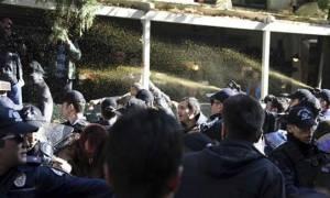 Τουρκία: Προφυλακίστηκε ο Ντεμιρτάς - Η αστυνομία διέλυσε με πραγματικές σφαίρες διαδήλωση (vids)