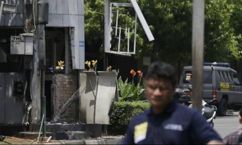 Ινδονησία: Ένας νεκρός και 12 τραυματίες σε συγκρούσεις της αστυνομίας με ισλαμιστές