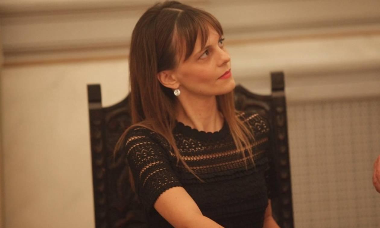 Η Έφη Αχτσιόγλου αναλαμβάνει το υπουργείο Εργασίας χωρίς ένσημα