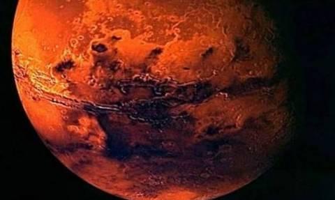 Βρέθηκε το σώμα μιας νεκρής γυναίκας στον Άρη; Δείτε την απίστευτη φωτογραφία (photo)