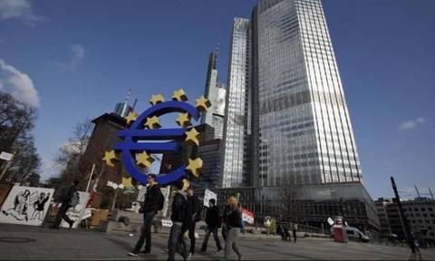 Έρευνα: Κατάλληλη η χαλαρή πολιτική της ΕΚΤ