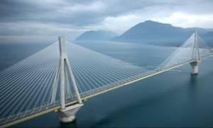 Βίντεο - ΣΟΚ: Διέσχισε τη γέφυρα Ρίου - Αντιρρίου με 300 χιλιόμετρα την ώρα!