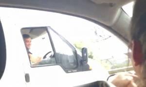 Το πιο ριψοκίνδυνο καμάκι εν ώρα οδήγησης! (video)