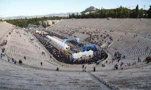 Μαραθώνιος Αθήνας 2016 LIVE: Σπάει κάθε ρεκόρ η συμμετοχή (photo-video)